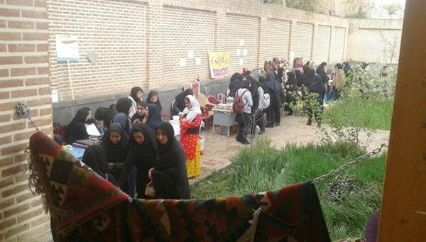 نمایشگاه توانمندسازی صنایع دستی دانش آموزان نمین برگزار گردید